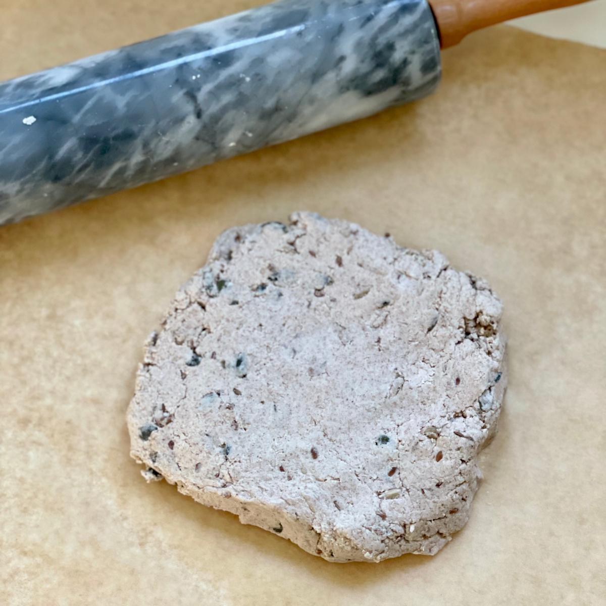 Semínkový Lavash sčočkovým hummusem