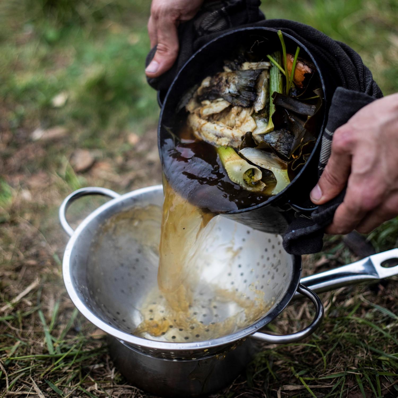 Rybí vývar sfenyklem, mrkví ařapíkatým celerem