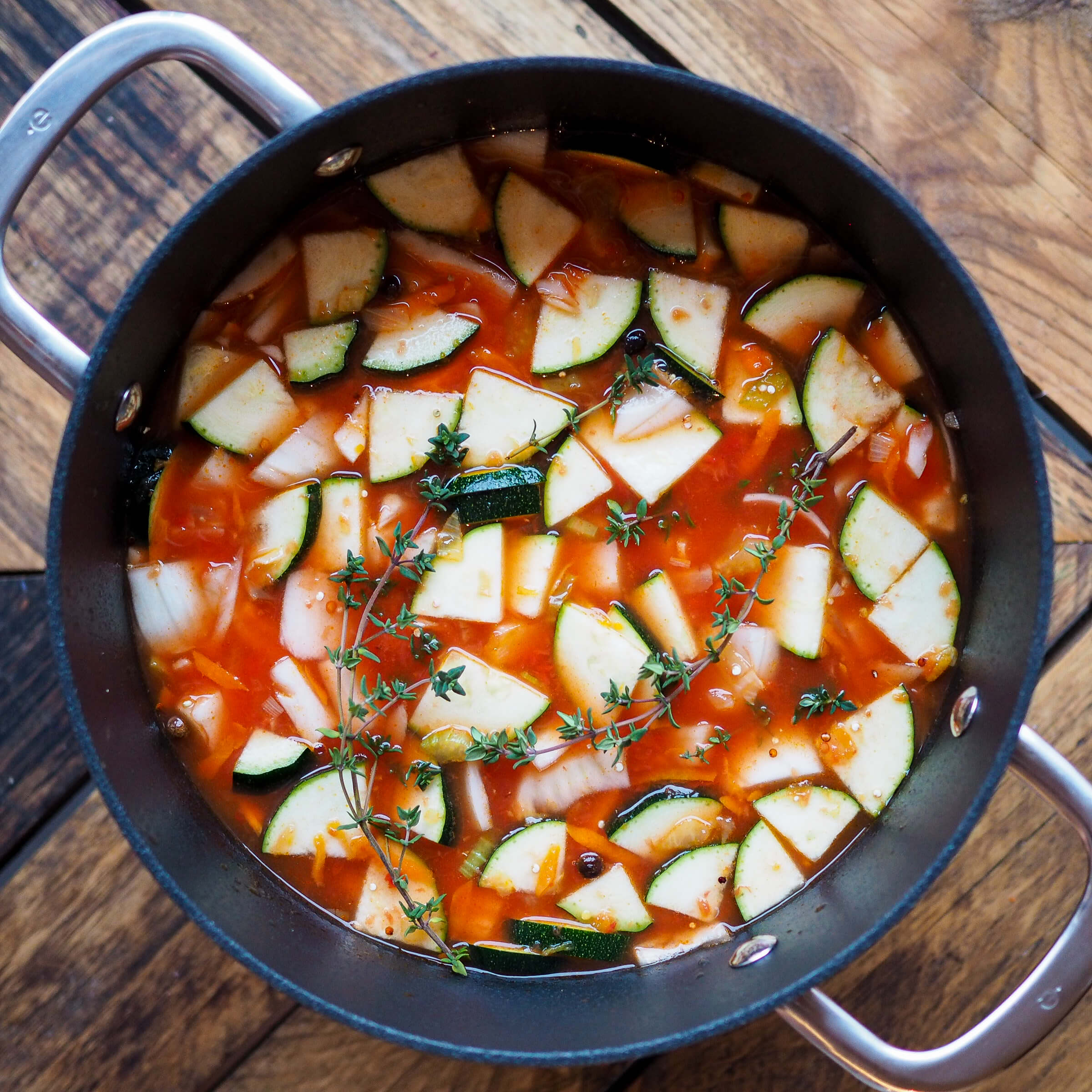 Zeleninová polévka squinoou
